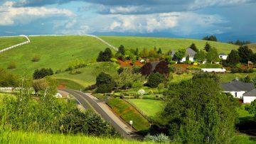 56974465road_green_clouds_oregon_rural_spring_scenery_neighborhood-583461