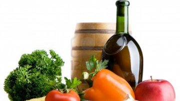 8178032713957646-organic-food-background-farmers-vegetable-market