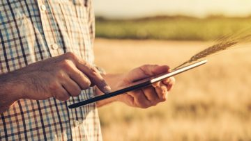 Smart farming, using modern technologies in agriculture