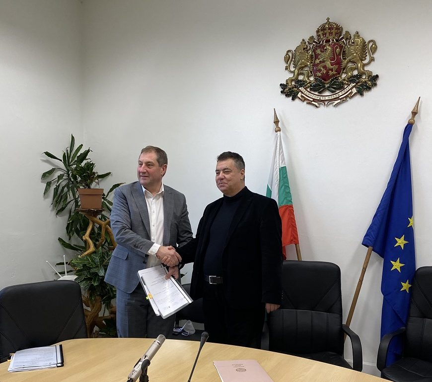 """Започна подписването на договори по мярка """"Преструктуриране и конверсия на лозя"""""""